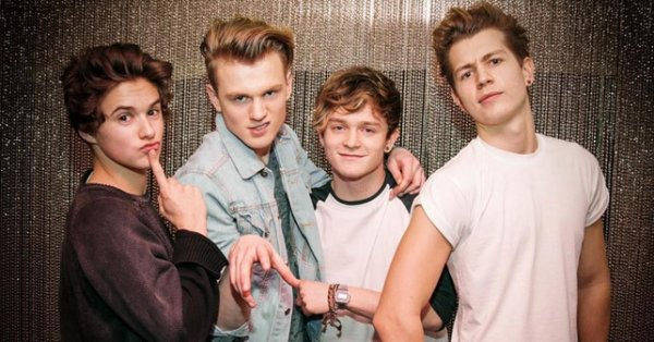 The Vamps Somebody to you Lyrics and traduction