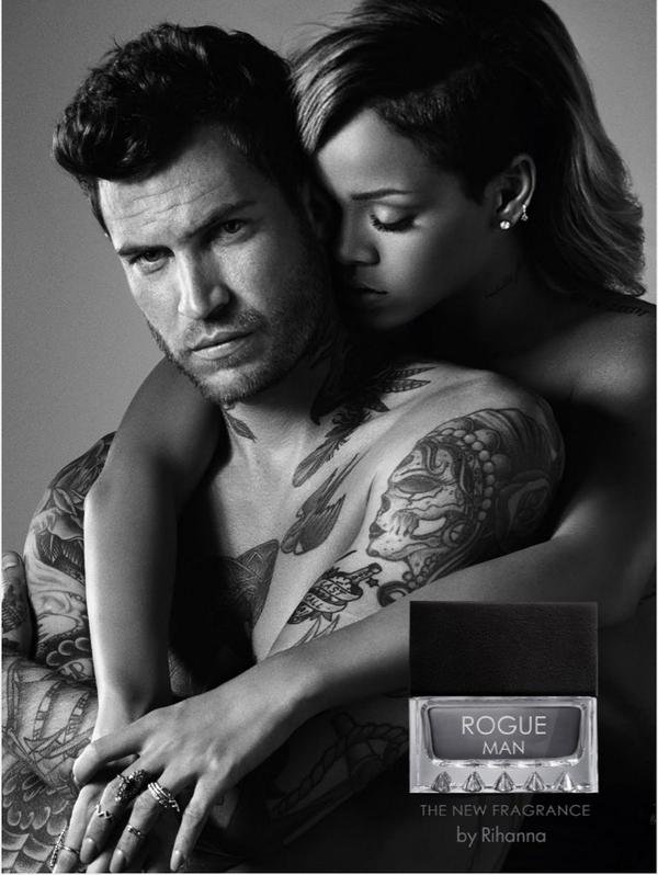 Rihanna: Sexy et topless sur les photos de son parfum Rogue Man