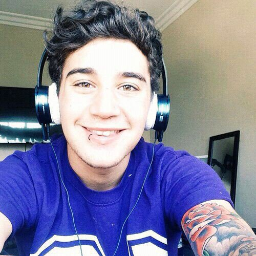 Top 5 des Meilleures Photos de Luke Brooks