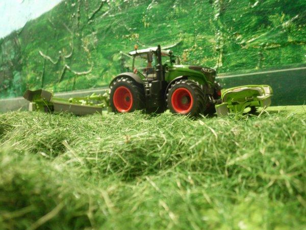 fauchage pour les foins par l entreprise agricole marschalle