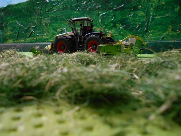 fauchage pour les ensilages par l entreprise agricole marschalle