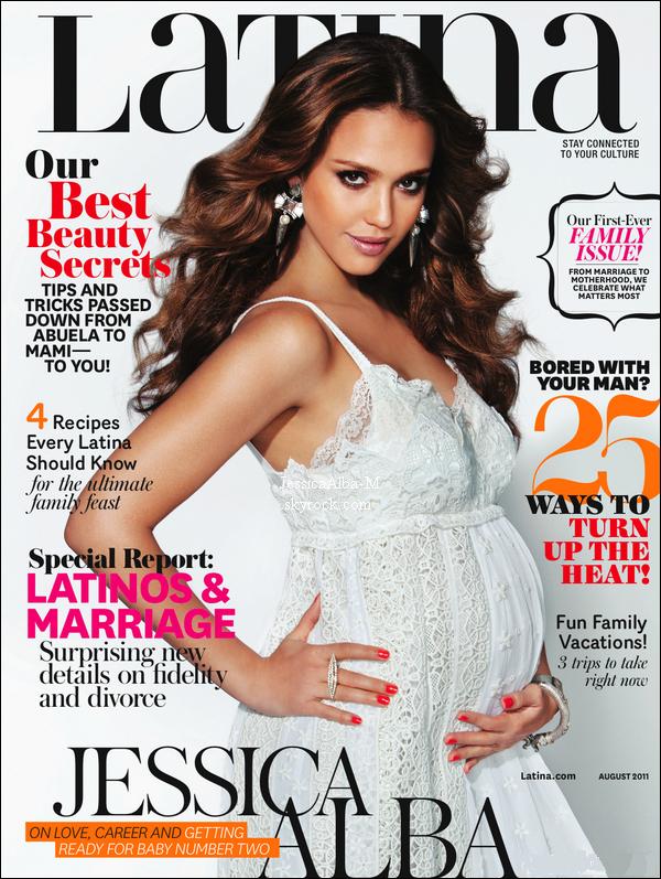 . Jessica fait la couverture de Latina Magazine du mois d'Août. .