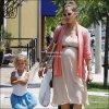 . 08.07.11 | Jessica & Honor ont fait du shopping dans un magasin pour bébé. .