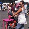 . 10.07.11 | Jessica a d'abord était au marché au puces puis au parc avec Honor. .
