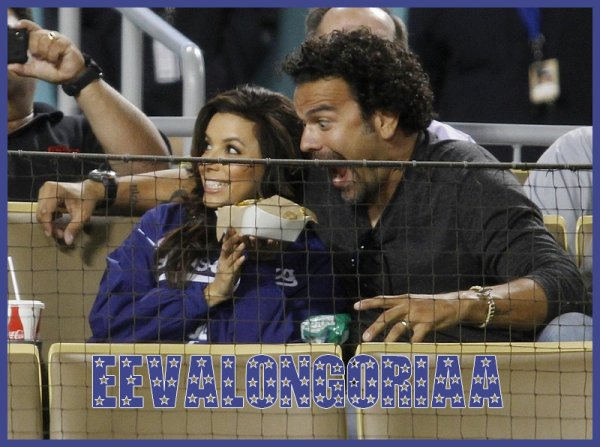 "Eva Longoria, Ricardo Chavira et le legendaire Tommy Lasorda assistent à la Major League Baseball game qui oppose les ""Los Angeles Dodgers"" et les ""Los Angeles Angels"" au Dodger Stadium en Californie - (3.04.2012)"
