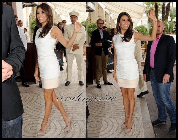 """18 Mai 2012... Eva était invitée à un cocktail au """"Niki Beach"""" pendant le 65ème Festival de Cannes :"""