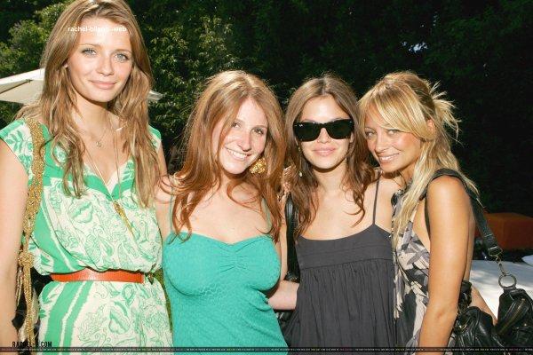 le 1 juillet 2006 - rachel Ashlee Margolis et Zoe Winkler Organisez une pré-quatrième de Juillet Bash avec boissons par 10 Cane Rum