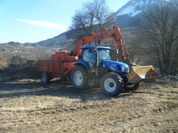 Chargement de terre 2011 >>> Fiat et New Holland avec Gilibert <<<
