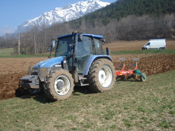Labour 2010 >>> New Holland avec Kverneland <<<
