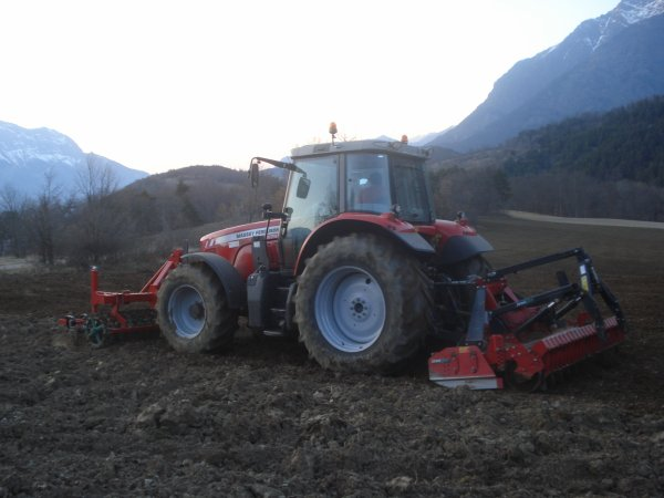 Reprise des labours 2011 >>> Massey Ferguson avec Kverneland et Breviglieri <<<