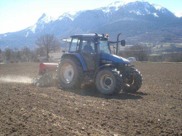 Semis 2011 >>> New Holland avec Nodet <<<