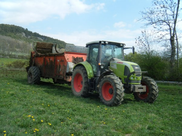 Fumier 2011 >>> Claas avec Brochard <<<