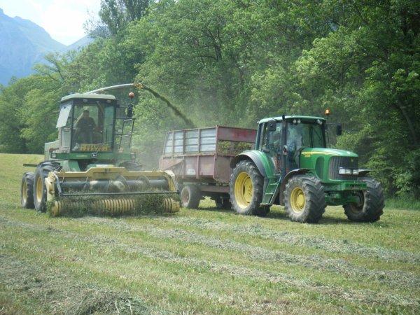 Ensilage 2011 >>> John Deere et John Deere avec Atland <<<