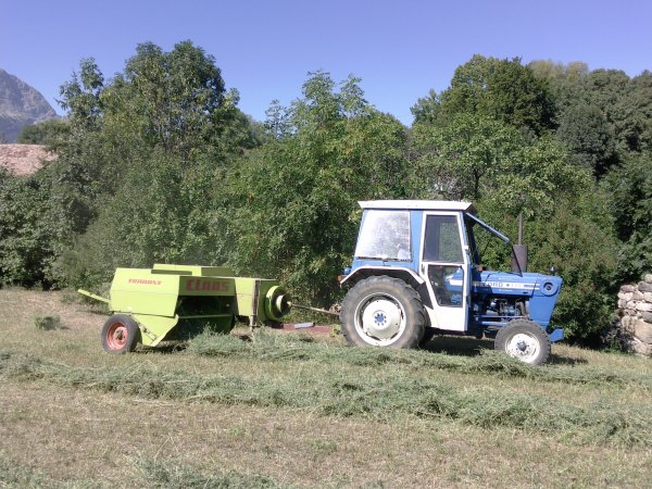 Pressage 2011 >>> Ford avec Claas <<<