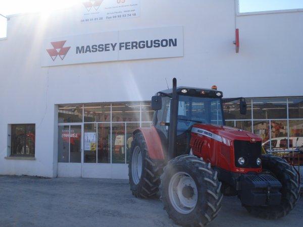Dans une concession 2011 >>> Massey Ferguson <<<