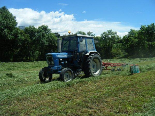 Andainage 2011 >>> Ford avec Kverneland <<<