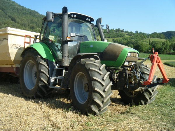 Transport 2011 >>> Deutz Fahr avec Gili <<<
