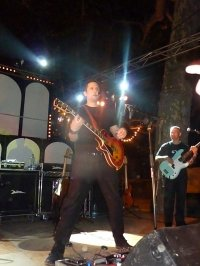 california 2012  ( photos sur musique  qui joue AC DC )