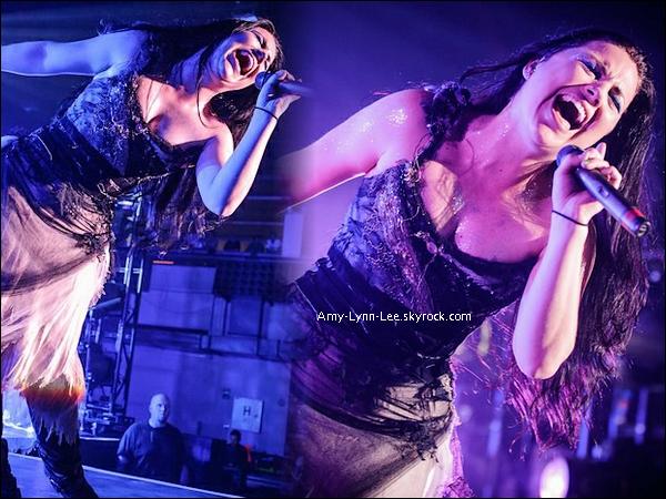 . Amy Lee, hier soir à Prague - Concert du 17 juin 2012. - Prochaine destination : Budapest, Hongrie ! Evanescence parcoure les pays de l'Europe de l'est avant d'arriver dans le moyen-orient ; Dubai et le Liban !      .