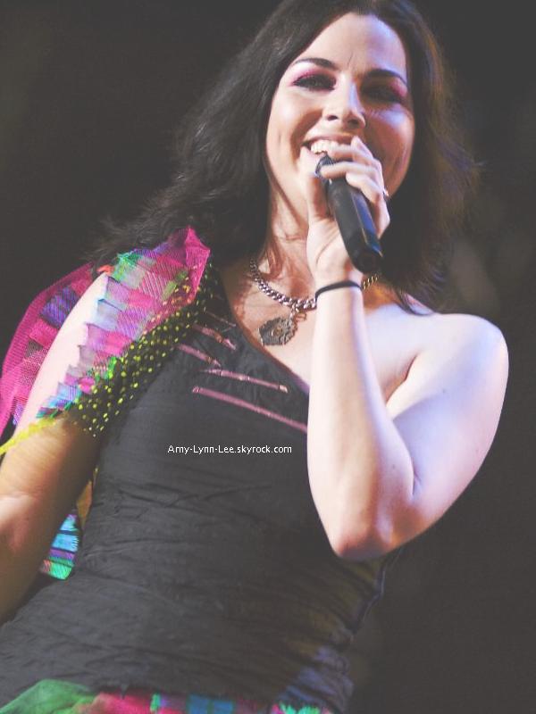""".  . « Que notre dernier album ait fini 1er au Billboard 200, fut vraiment une chose positive dans ma vie. » .            . Amy Lee a récemment accordé une interview au site des charts, BillBoard.com -  Alors que la chanteuse rencontre un franc succès au festival """"Carnaval of Madness"""", dont Evanescence est à la tête de l'affiche, elle accepte de se confier à propos des étapes initiales de la création du denier album, que deviennent ces chansons produites par Steve Lillywhite? Question que se posent de nombreux fans, auront-ils l'occasion un jour de les entendre?...Rencontre. . S'il est vrai que le dernier album, a fait un gros succès, que ce serait-il passé si le travail réalisé avec Steve Lilywhite aurait été retenu? . Beaucoup de sonorités très lointaines du genre typique du groupe auraient été inclues..Ce qui aurait pu être peut-être bénéfique et attirer plus d'amateurs de musique éléctro-Rock?Metal? ElectroLyrico-Metal? Evanescence + electro. En effet, Si le dernier album aurait contenu le mix unique obtenu grâce à Steve Lilywhite, plusieurs sonorités différentes, nous aurions pu inventer un tout nouveau genre musical, tellement le résultat aurait pu être unique. - Nous avons pu en avoir deux aperçu clairs, & ça a énormément plu. Malheureusement la direction éléctonique prise par Evanescence n'a pas été retenue et assimiliée par le label. Amy & ses compagnons retarderont donc la sortie de l'album, pour changer de producteur ; Nick Raskulinecz, prendra la relève. Quel dommage, beaucoup de fans expriment leur déception malgré le succès du dernier album, - En 2010, une intro fait le buzz sur Youtube chez les fans, lors du concert organisé à la dernière minute à New-York, le style lyrique de cette introduction, correspond exactement au style gothique & éphémère que les fans recherchent. Une intro, qui rappelle les murmures et supplications vocales d'Amy Lee que les fans connaissent très bien Un album, donc, qui s'annonçait très prometteur. peut-être +. Un fragment m"""