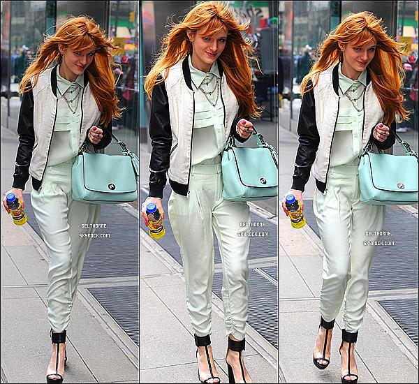 . 02/04/2013 : Bella dans les rues de New-York. .