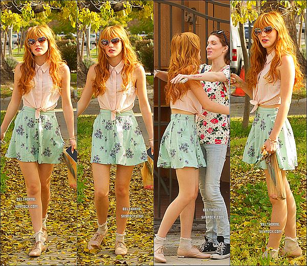 . 03/03/2013 : Bella & son toutou chéri allant dans un studio,Los Angeles. Top ou flop? Perso,je dirais un petit top! .