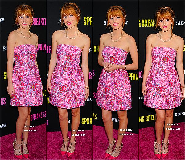 . 14/03/2013 : Bella a la première de Spring Breakers a Los Angeles. .