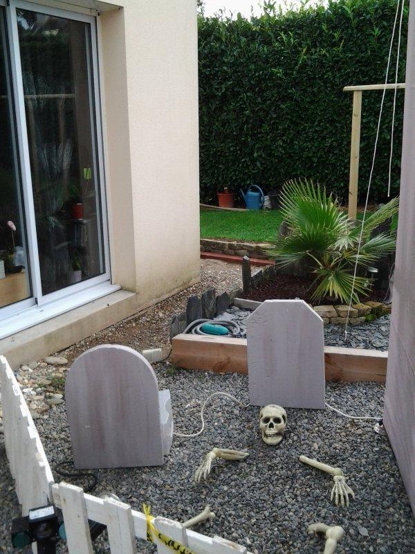 Voici les décorations d'halloween installées suite