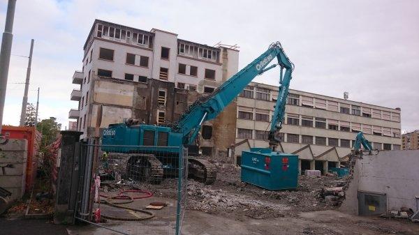 HITACHI 470 démolition Genève