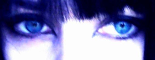 Oses me regarder dans les yeux, et me dire que toi & moi ce n'était qu'un jeu.