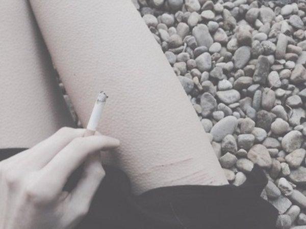 Seule, seule et encore seule.