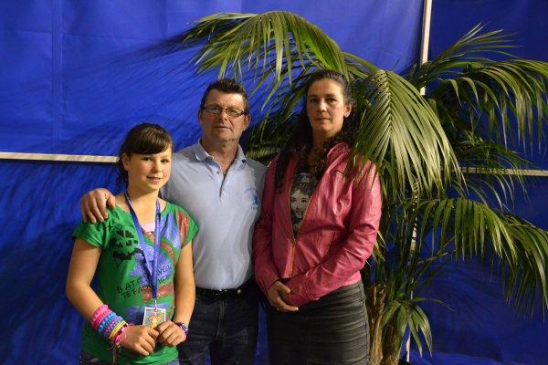 FINALE DE CULTURISME AU C C B DE BOULOGNE SUR MER POSE EN FAMILLE DES OFFICIELS