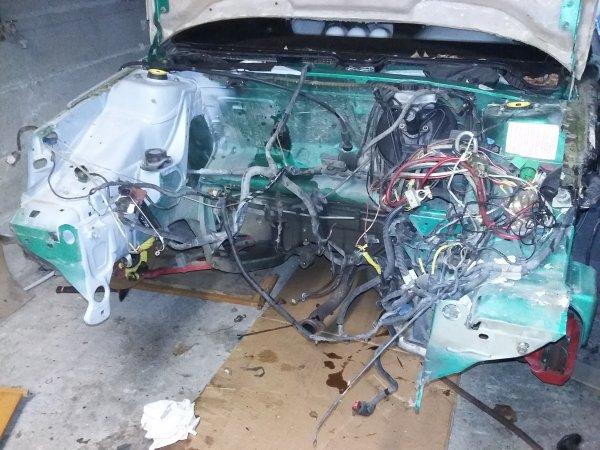 Dépose moteur/boite, collecteur et cache distri