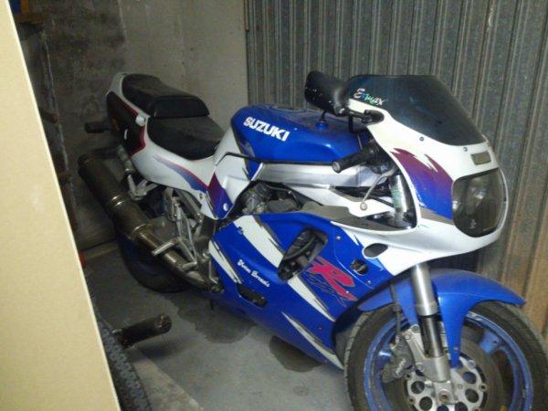 gsxr 750 moteur 1100cc 320km/h