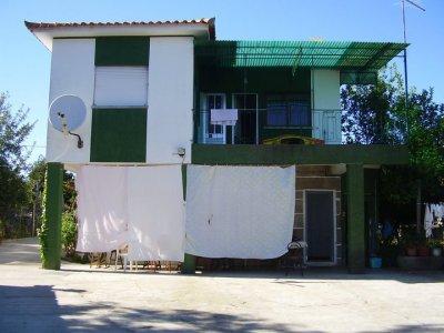 la maison de mes grand-parents au Portugal =) pas mal hein ?