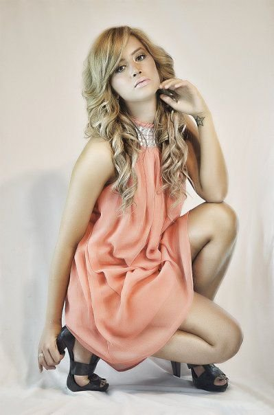 Dafina Zeqiri kopjonAshley Tisdale