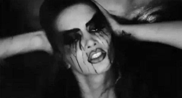 Dafina Zeqiri është poseduar nga djalli dhe nga demonët !!!!
