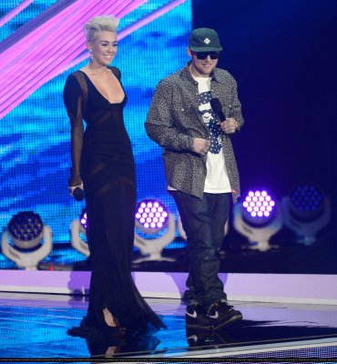 MTV Video Music Awards 2012 - Show
