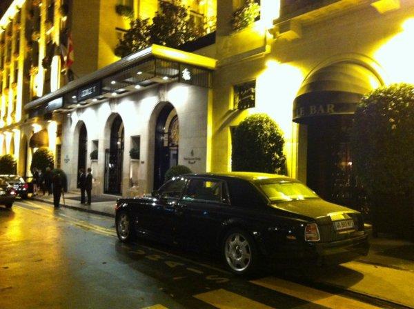A L'HOTEL JEORGE W PARIS