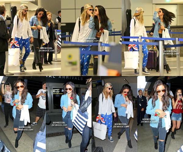 ✿ Selena a été aperçue a l'aéroport a L.A.X (+ vidéoo ) / ✿ Selena a Los Angeles !