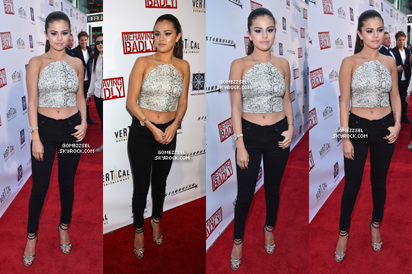 29/07/14 : Selena assiste à la première de son film, Behaving Baldy.