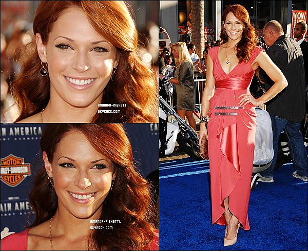 """___  19/07/11 : Amanda était présente à la première de """"Captain America : The First Avenger"""" à L.A. Je trouve qu'elle est ravissante, sa robe est magnifique, sa coiffure et ses bijoux n'en parlons pas. Et toi, tu en penses quoi ?  ___"""
