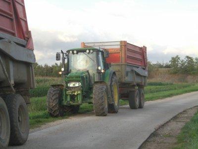 Ensilage de maïs 2011 ( en retard car problème d'ordi ! )