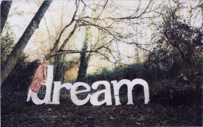 """○ Desir Creatif ○                                                                                                                                                                                                                 """"Certes, un rêve de beignet, c'est un rêve, pas un beignet. Mais un rêve de voyage, c'est déjà un voyage."""""""