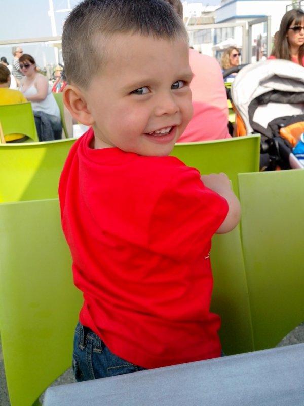 Aaron a 2 ans et 4 mois