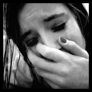 #Pleure, Pleure ;  Mais ne t'inquiète pas ; Je suis là#