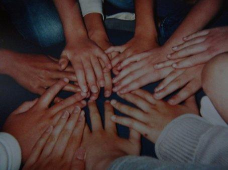 Ce n'est pas le but d'avoir plein d'amies ... Car les vrais amies ; Ce compte sur une seule main.