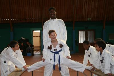 club taekwondo 77