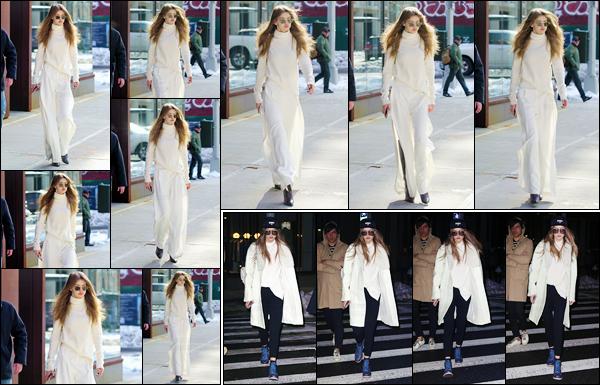 - 16/03/17 -Gigi N. Hadid a été aperçue alors qu'elle sortait de son appartement situé dans New-York City. Plus tard, dans la soirée, Gigi H. a été photographiée alors qu'elle se trouvait dans les célèbres rues de New-York. Je lui donne un top ! -