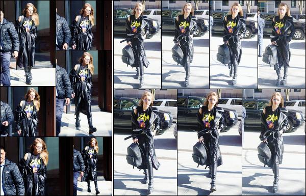 - '-14/02/17-' ◊Gigi Hadid a été vue, portant un t-shirt de la marque de Zayn, quittant son appartement, N-Y. Un peu plus tard dans la journée, Jelena a été photographiée alors qu'elle se trouvait être dans les rues de New-York, j'accorde un top ! -